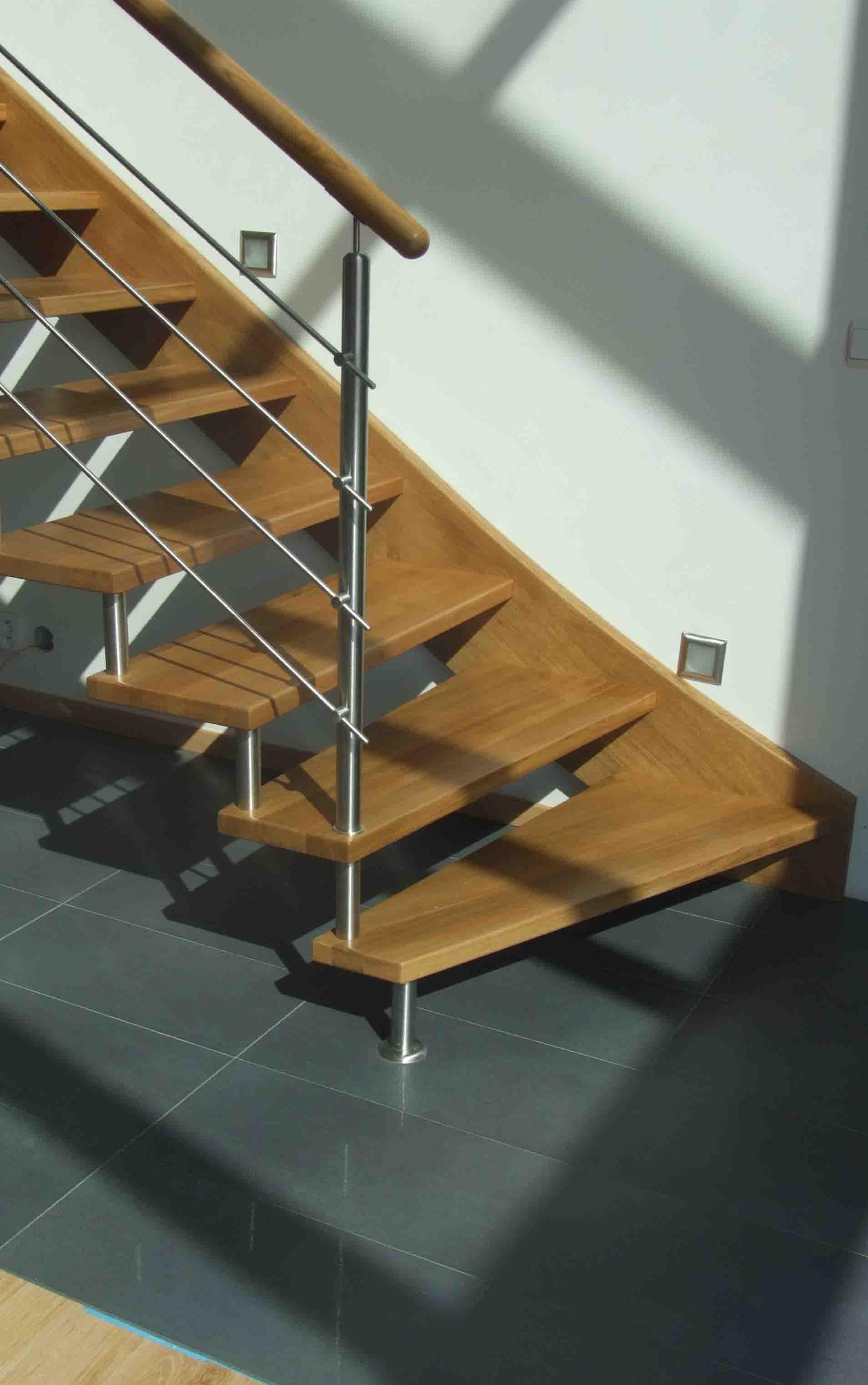 schody valassko celodrevene